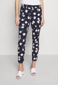 GAP - ANKLE BISTRETCH - Pantaloni - blue/floral print - 0