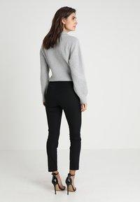 GAP - ANKLE BISTRETCH - Pantaloni - true black - 2
