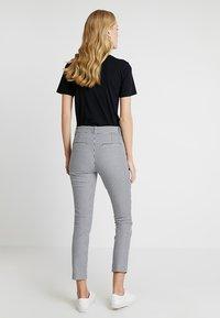 GAP - SKINNY ANKLE - Spodnie materiałowe - blue - 2