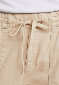 GAP - UTILITY - Stoffhose - wicker - 4
