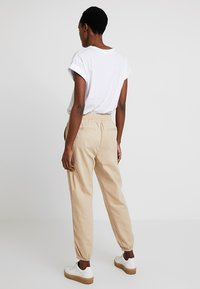 GAP - UTILITY - Stoffhose - wicker - 2
