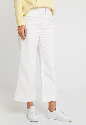 WIDE LEG SOLID - Flared jeans - sea salt