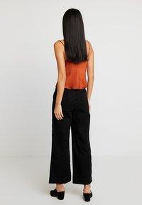 GAP - WIDE LEG SOLID - Flared Jeans - true black - 2