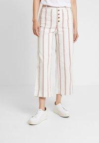 GAP - WIDE LEG CHINO SEAFARER STRIPE - Spodnie materiałowe - neutral - 0