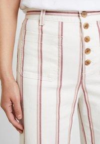 GAP - WIDE LEG CHINO SEAFARER STRIPE - Spodnie materiałowe - neutral - 3