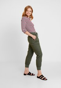 GAP - UTILITY - Joggebukse - baby tweed - 2