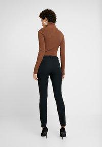GAP - BISTRETCH LONG - Pantaloni - true black - 2