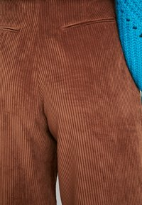 GAP - PLEATED WIDE LEG - Kangashousut - root brown - 4