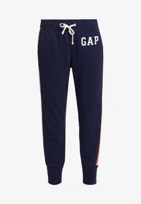 GAP - Spodnie treningowe - navy uniform - 3