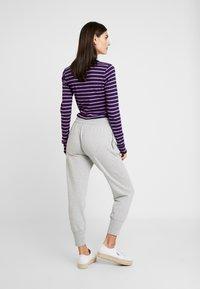 GAP - Teplákové kalhoty - light heather grey - 2