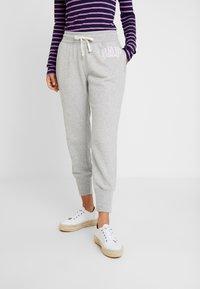 GAP - Teplákové kalhoty - light heather grey - 0