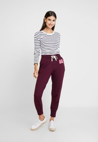 GAP - Teplákové kalhoty - secret plum - 1