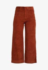 GAP - HIGH RISE CROPPED - Kalhoty - henna brown - 4