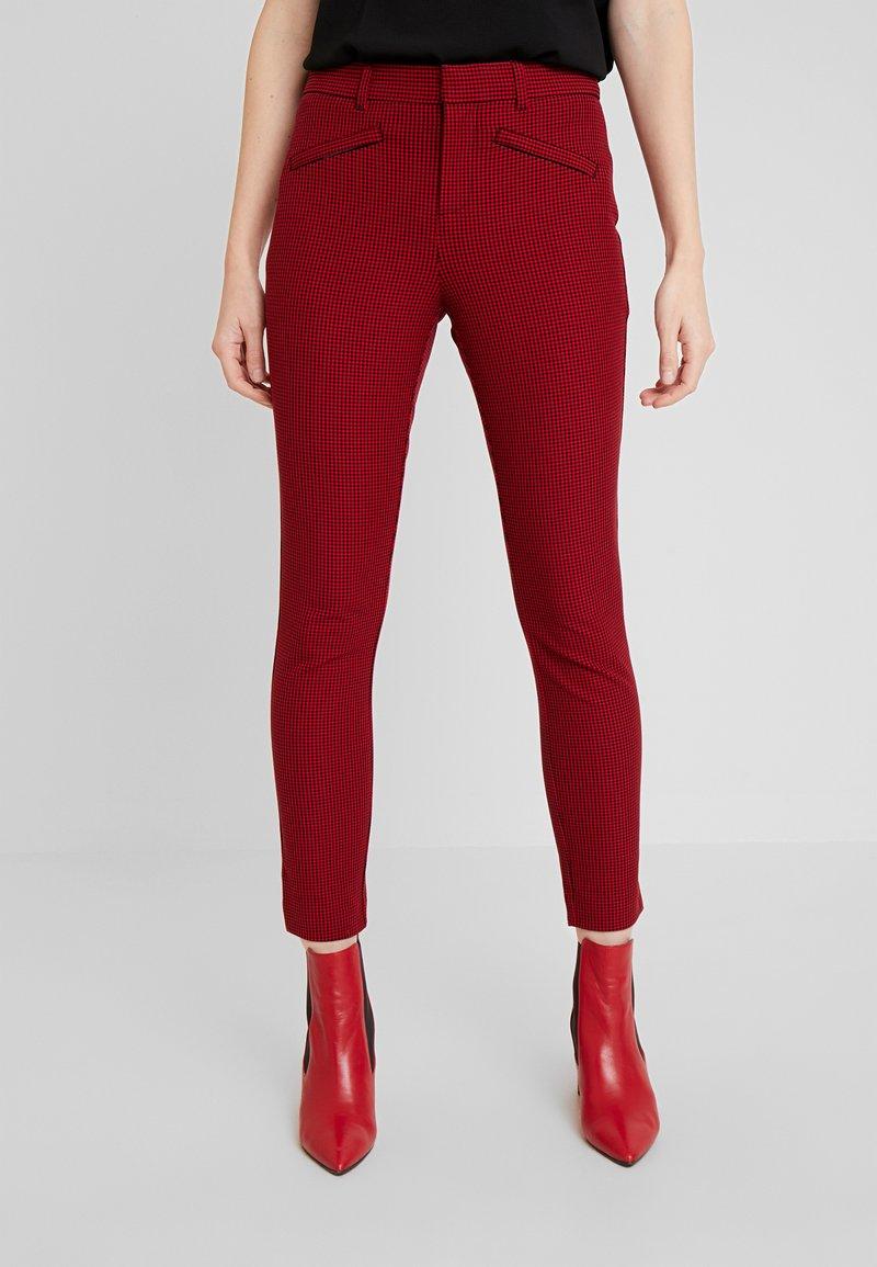 GAP - ANKLE BISTRETCH - Pantalones - black/red