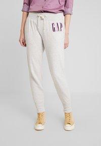 GAP - Spodnie treningowe - light heather grey - 0