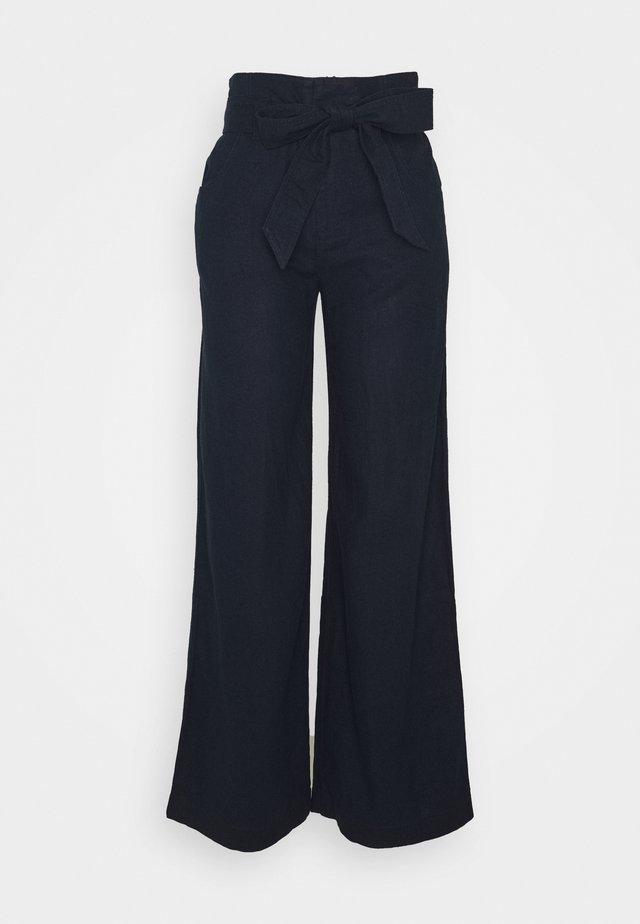 WIDE LEG SOLID - Pantalon classique - true indigo
