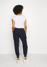GAP - UTILITY JOGGER - Pantalon de survêtement - navy uniform - 2