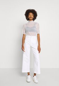 GAP - WIDE LEG ANKLE DOVE - Relaxed fit jeans - novelty dove white - 1