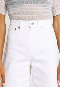 GAP - WIDE LEG ANKLE DOVE - Relaxed fit jeans - novelty dove white - 4