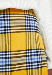 GAP - FLARE SKIRT - Spódnica trapezowa - yellow - 5