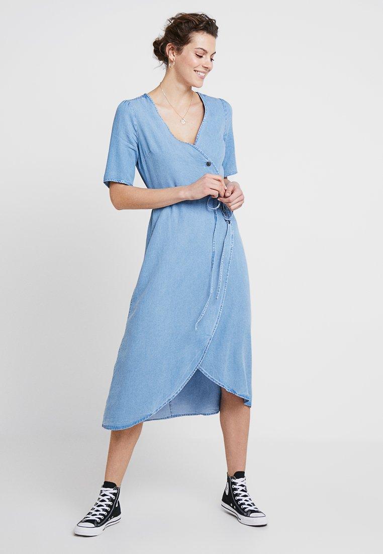 GAP - SIDE WRAP - Denim dress - medium indigo