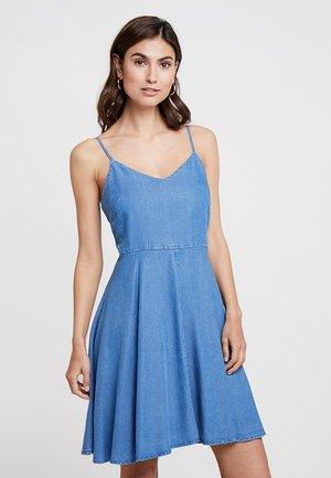 V SOFT CAMI  - Denim dress - bright medium