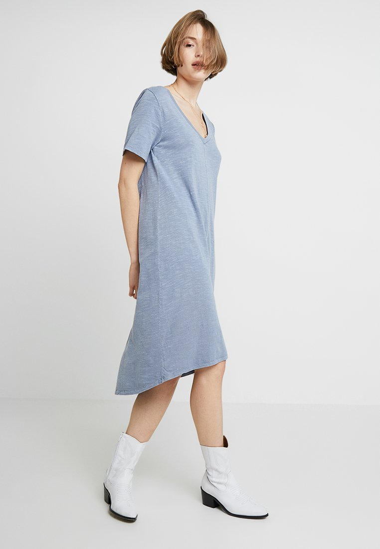 GAP - MIDI - Jerseykleid - mottled light blue