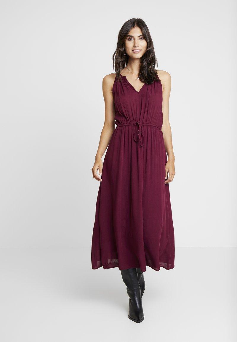 GAP - HALTER DRESS - Maxikjole - ruby wine