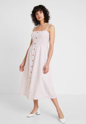 TANK DRESS - Robe longue - pink
