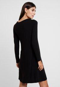 GAP - SWING - Žerzejové šaty - true black - 3