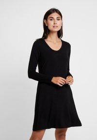 GAP - SWING - Žerzejové šaty - true black - 0