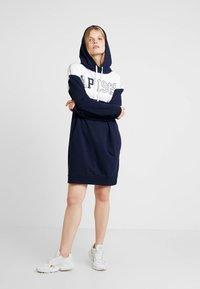 GAP - LOGO DRESS - Korte jurk - navy uniform - 1