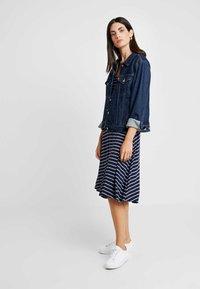 GAP - SCOOP SWING DRESS - Jersey dress - navy - 2