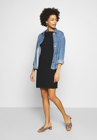 GAP - BOATNECK - Shift dress - true black - 1