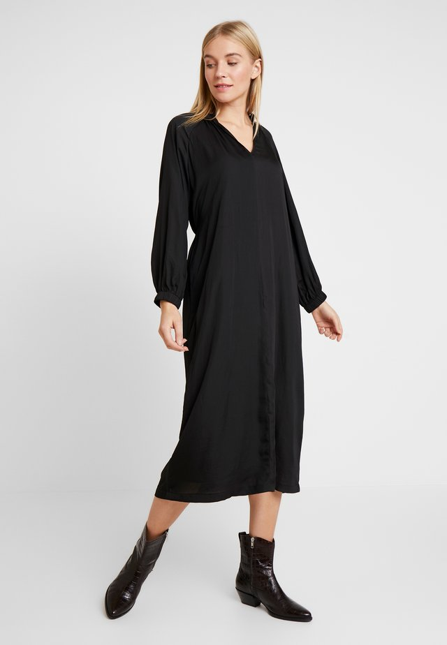 ZEN MIDI - Korte jurk - true black