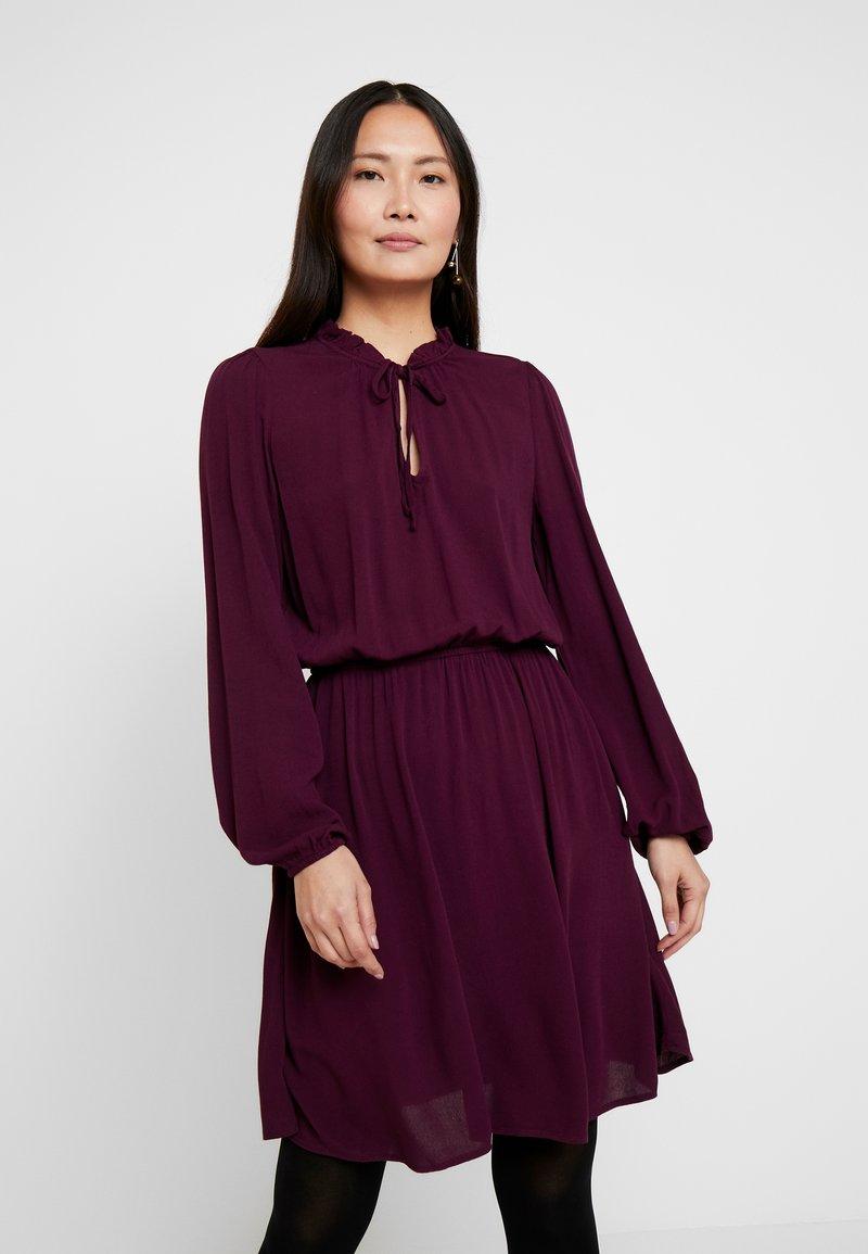 GAP - TIE DRESS - Kjole - secret plum