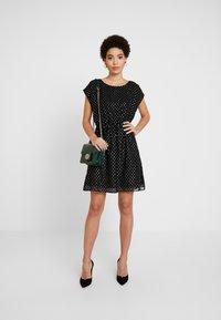 GAP - Korte jurk - true black - 2