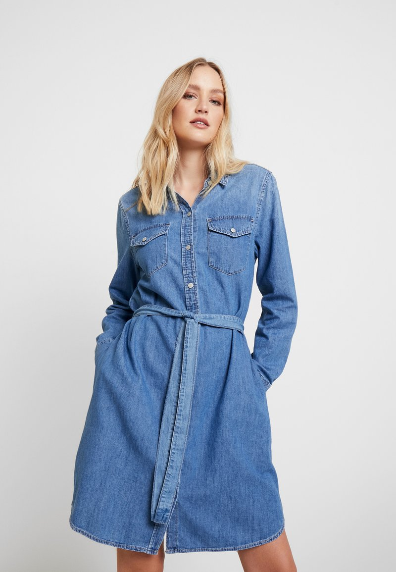 GAP - SHRTDRESS WOOSTER - Denim dress - medium indigo