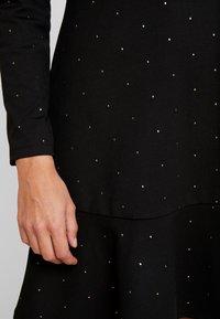 GAP - PONTE DRESS - Vestito di maglina - black/gold - 6