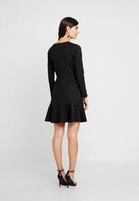 GAP - PONTE DRESS - Vestito di maglina - black/gold - 3