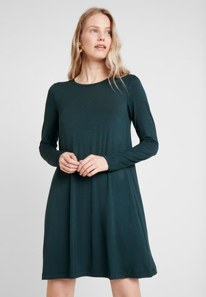 DRESS - Jerseykjoler - essex green