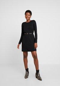 GAP - DRESS - Žerzejové šaty - true black - 2