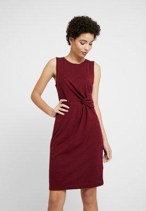 Vestido de tubo - bell burgundy