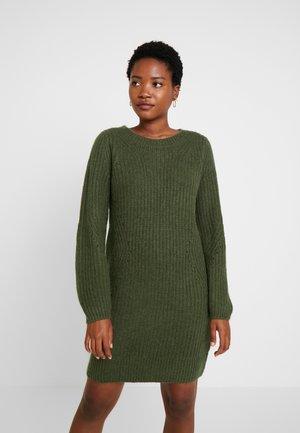 CREW DRESS - Vestido de punto - glen olive