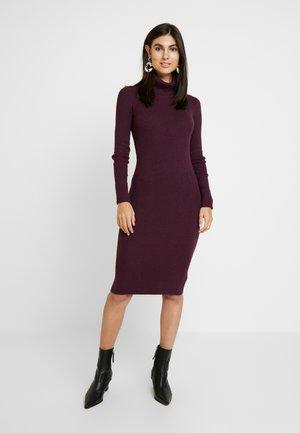 COLUMN DRESS - Shift dress - plum heather