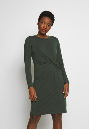 Žerzejové šaty - black grass