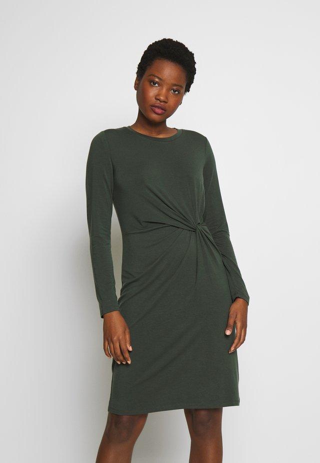 Sukienka z dżerseju - black grass