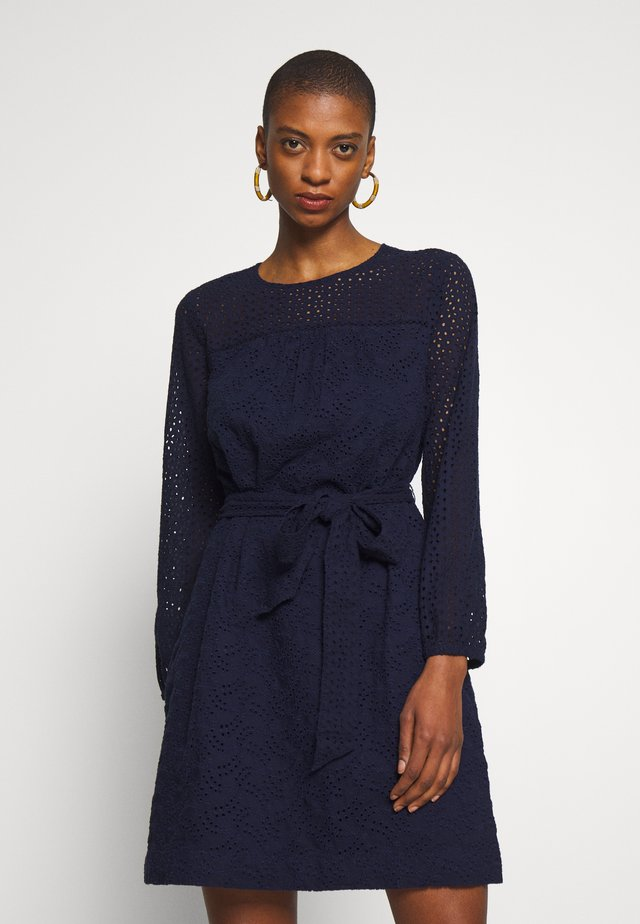 EYELET DRESS - Sukienka letnia - navy uniform