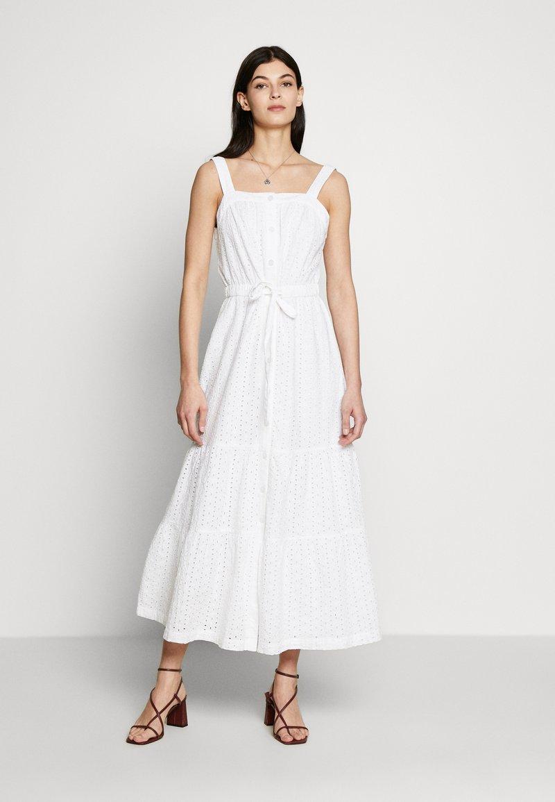 GAP - EYELET APRN MAXI DRESS - Vestito lungo - optic white