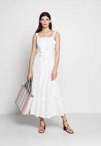 GAP - EYELET APRN MAXI DRESS - Vestito lungo - optic white - 1